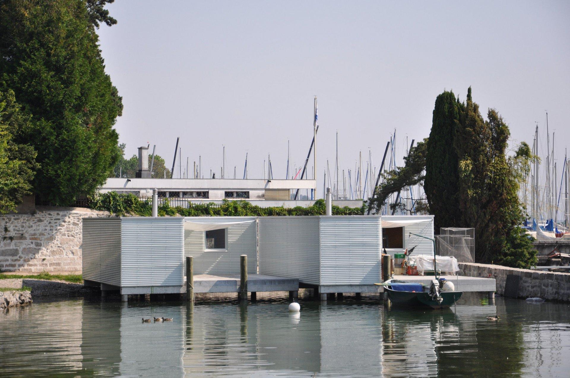 Fischerhütte in Modulbauweise auf Wasser