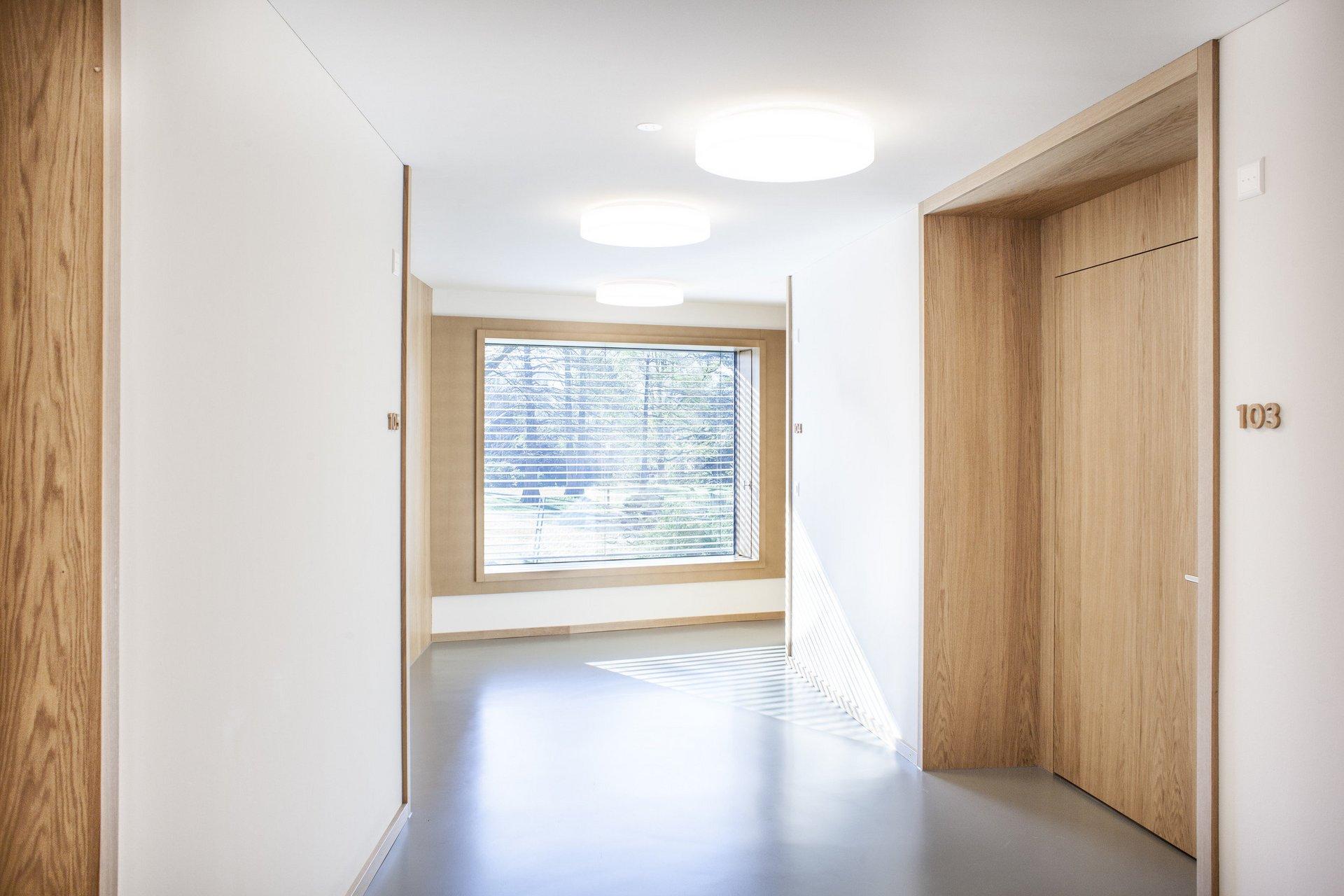 Einflügelfenster in Holz-Metall mit schwerer Festverglasung