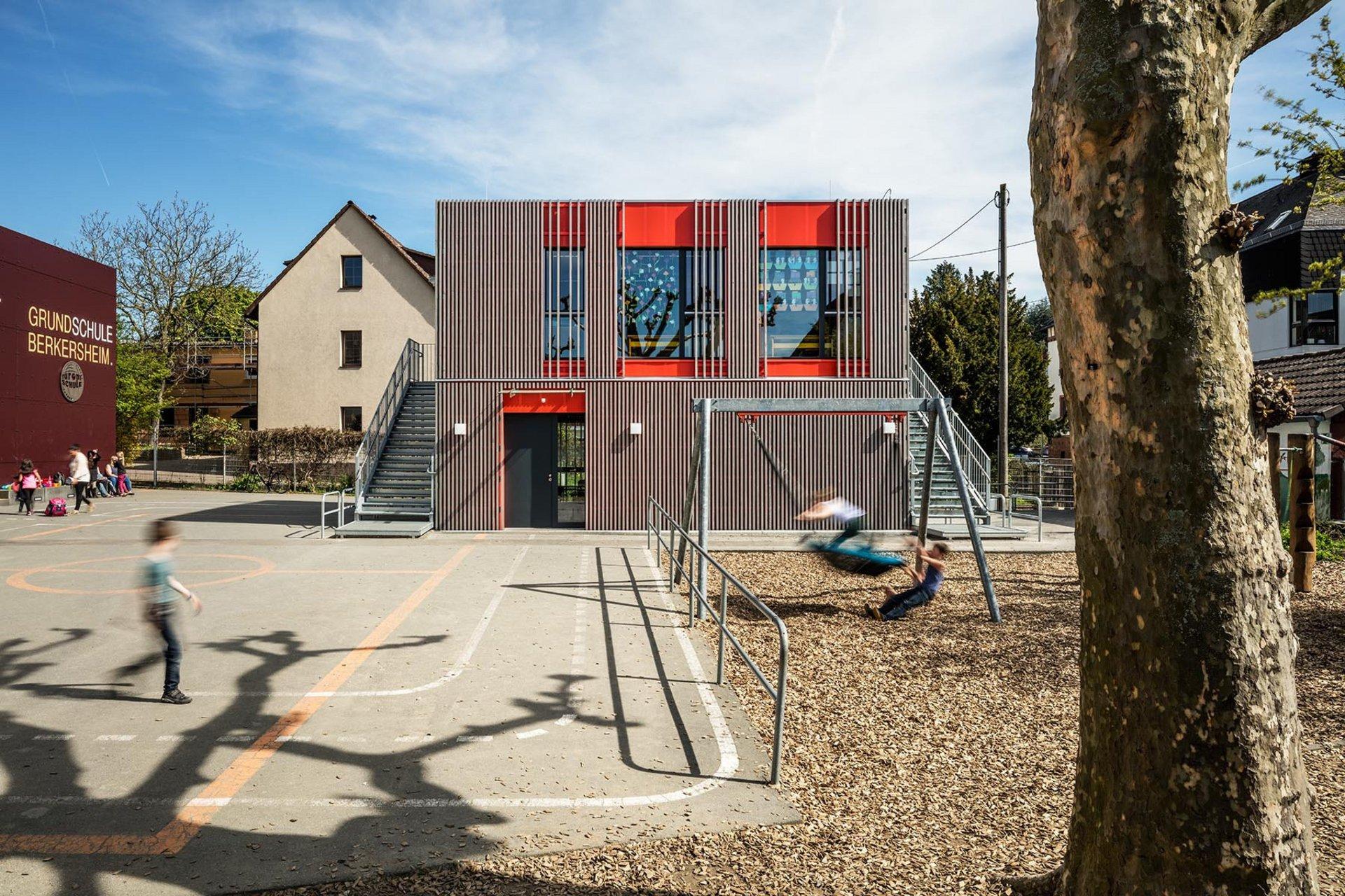 2-geschossiges Schulgebäude in Holz-Modulbauweise