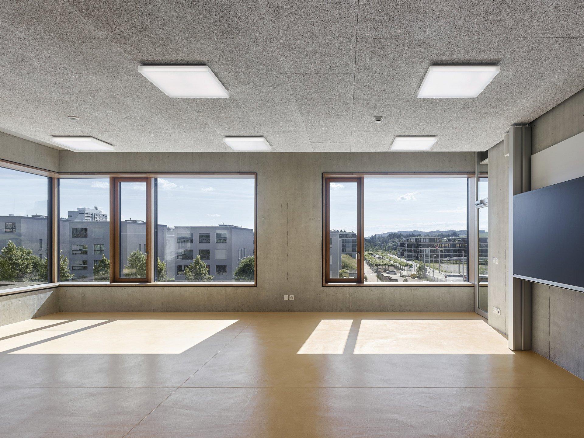 Fenêtre à un seul vantail avec partie fixe intérieure, en chêne naturel