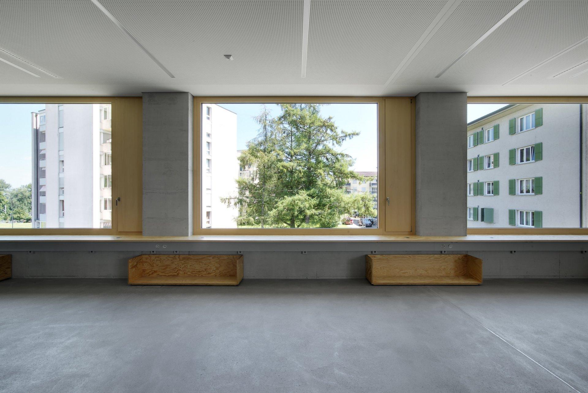 Fenster mit grosser Glasfläche und kleinem Kipp-Fenster