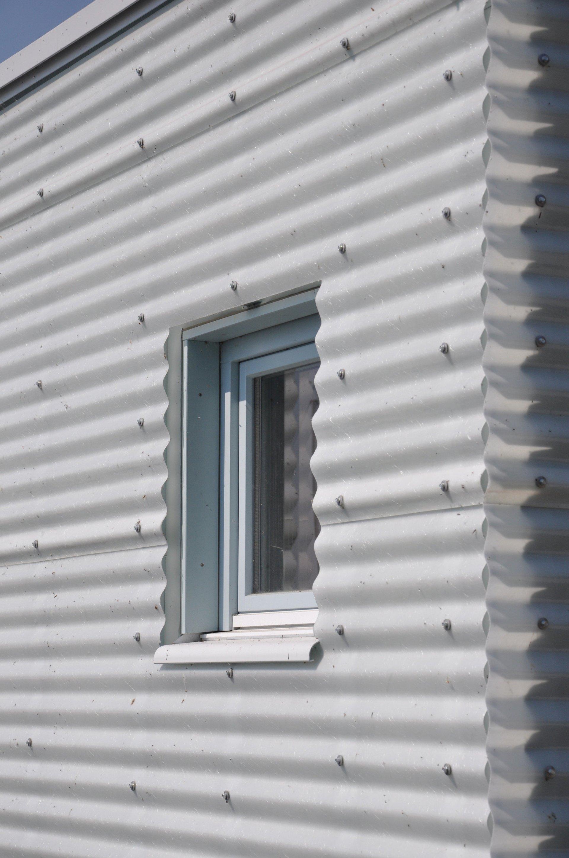 Fassade Fischerhütte eines Moduls mit Fenster
