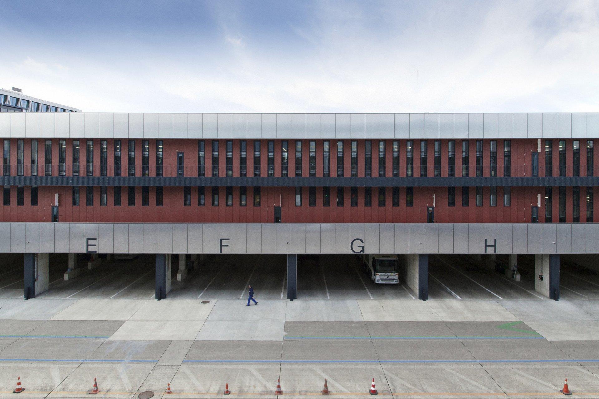 Logistikzentrum mit Fassade in Minergie-P-Eco