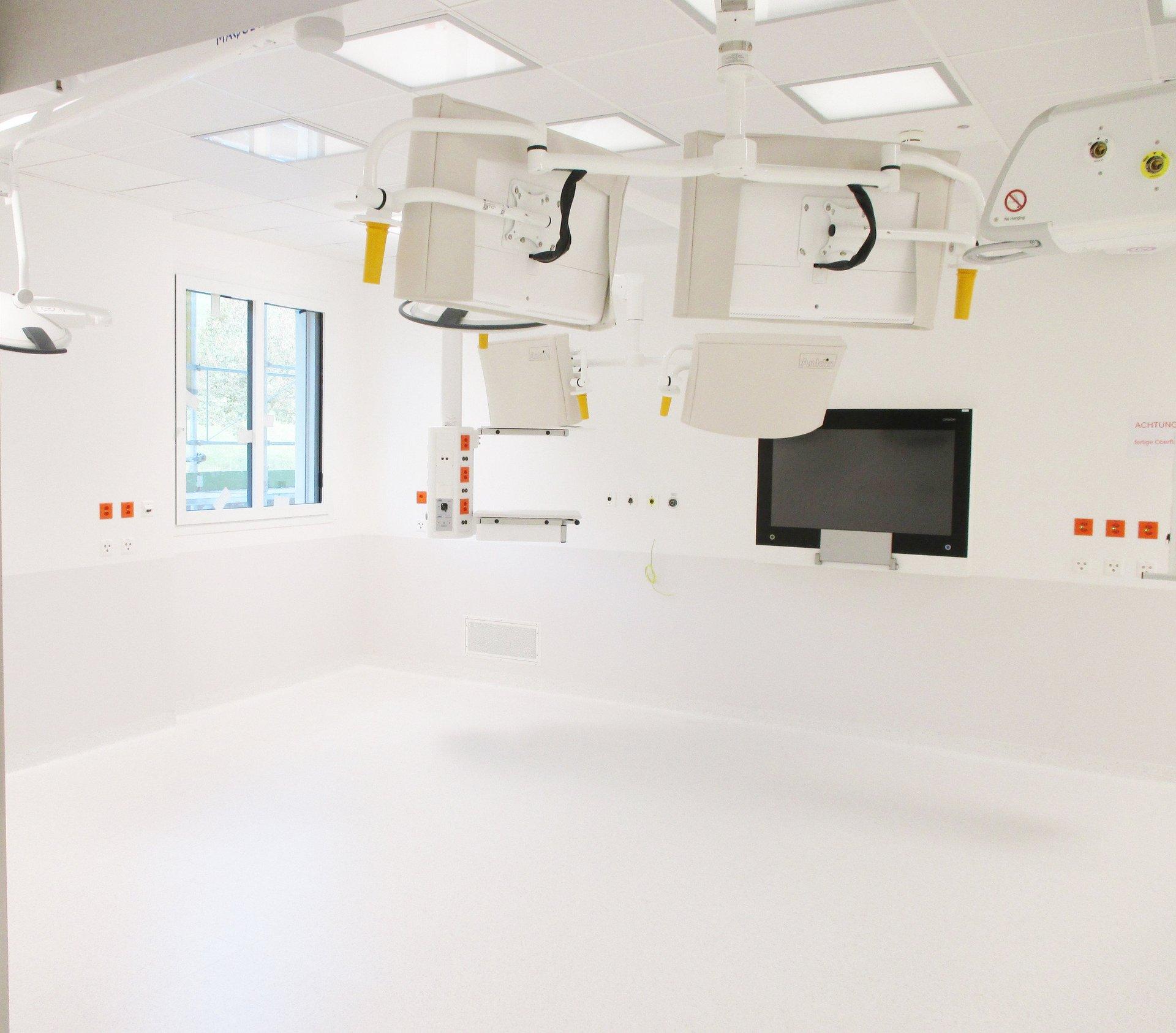 Operationssaal in hellem und modernen Design