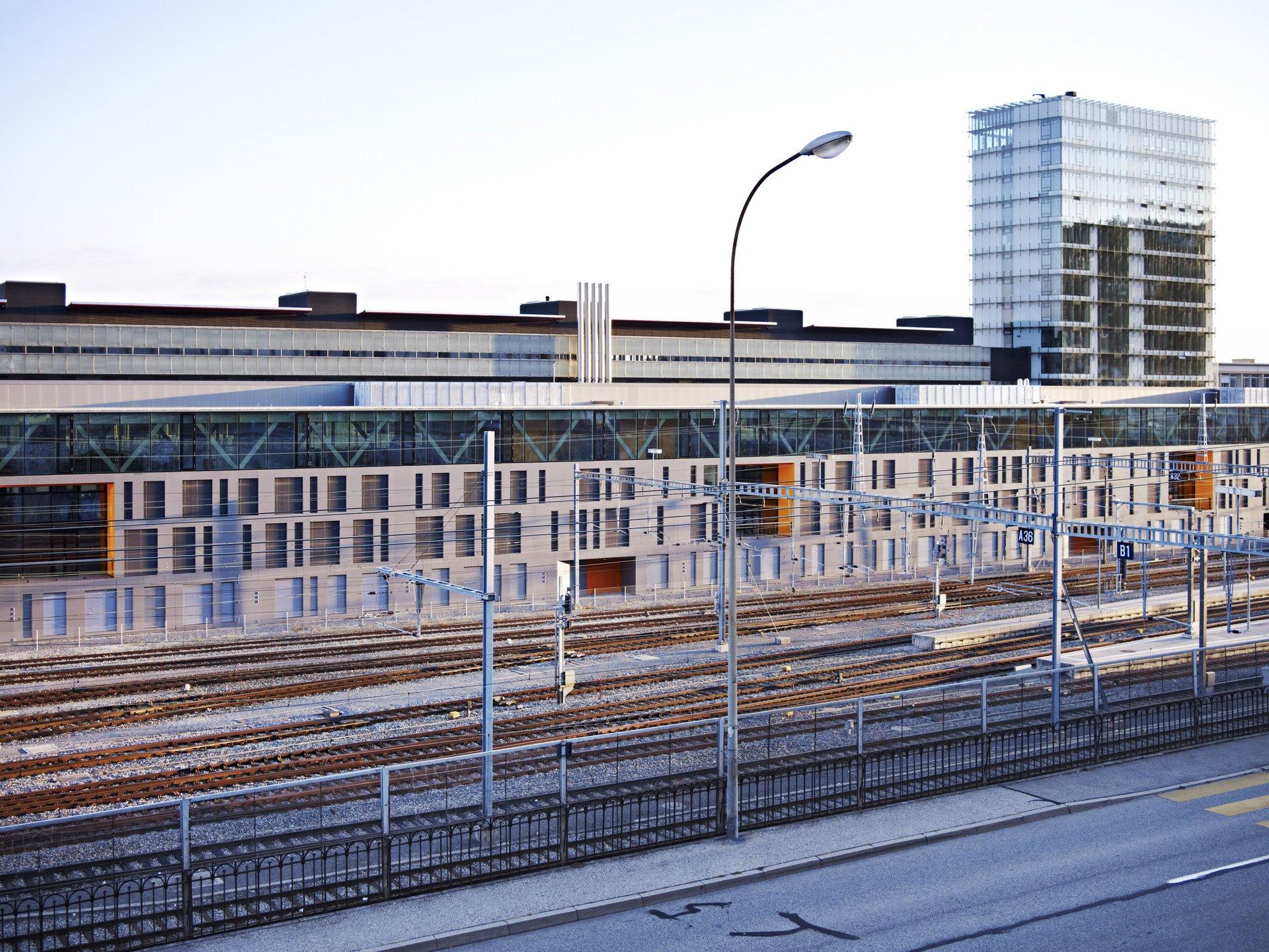 Gebäude hat hohe Schallschutzanforderung da direkt anliegender Bahnhof