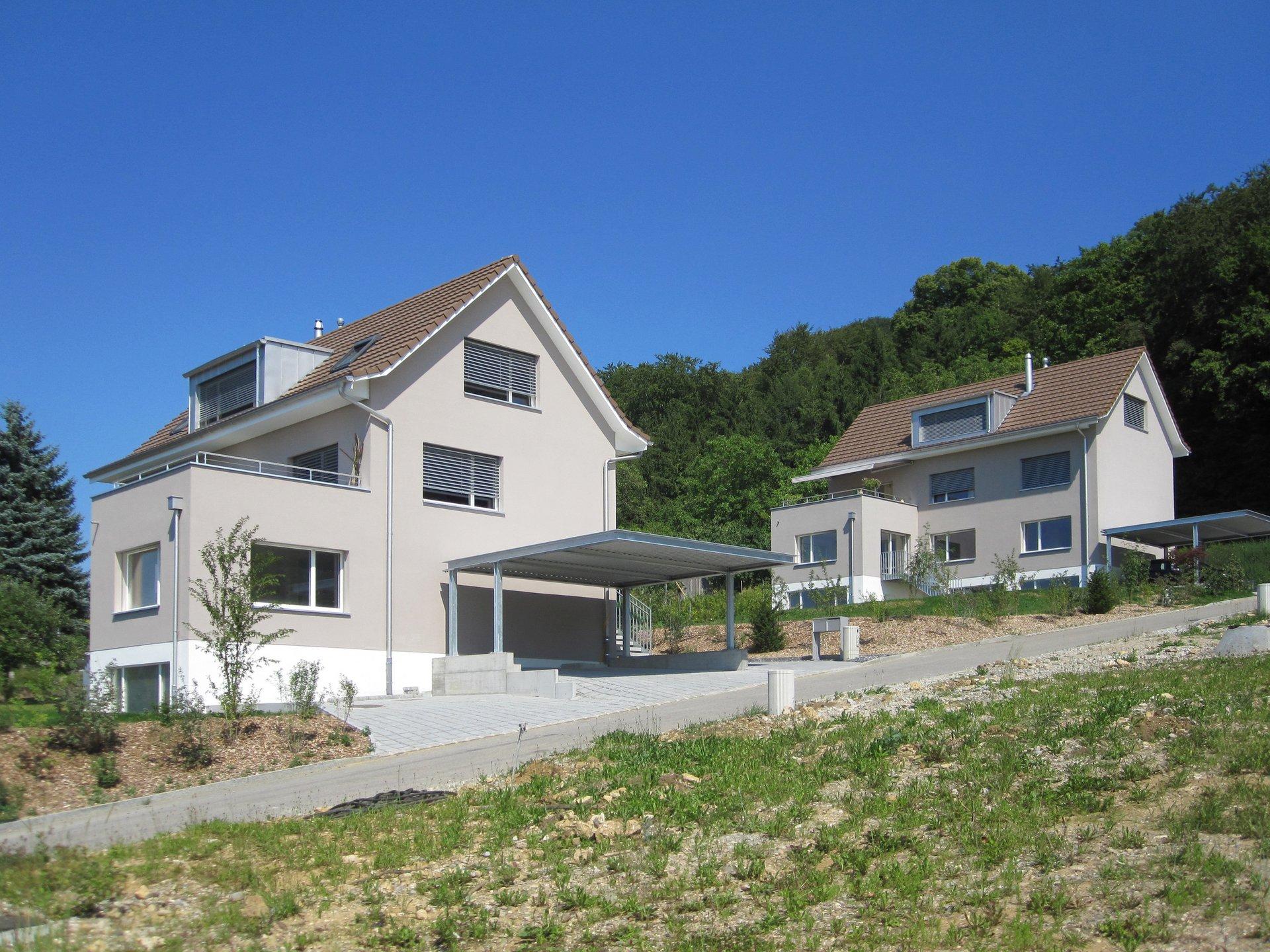 2 freistehende Doppeleinfamilienhäuser