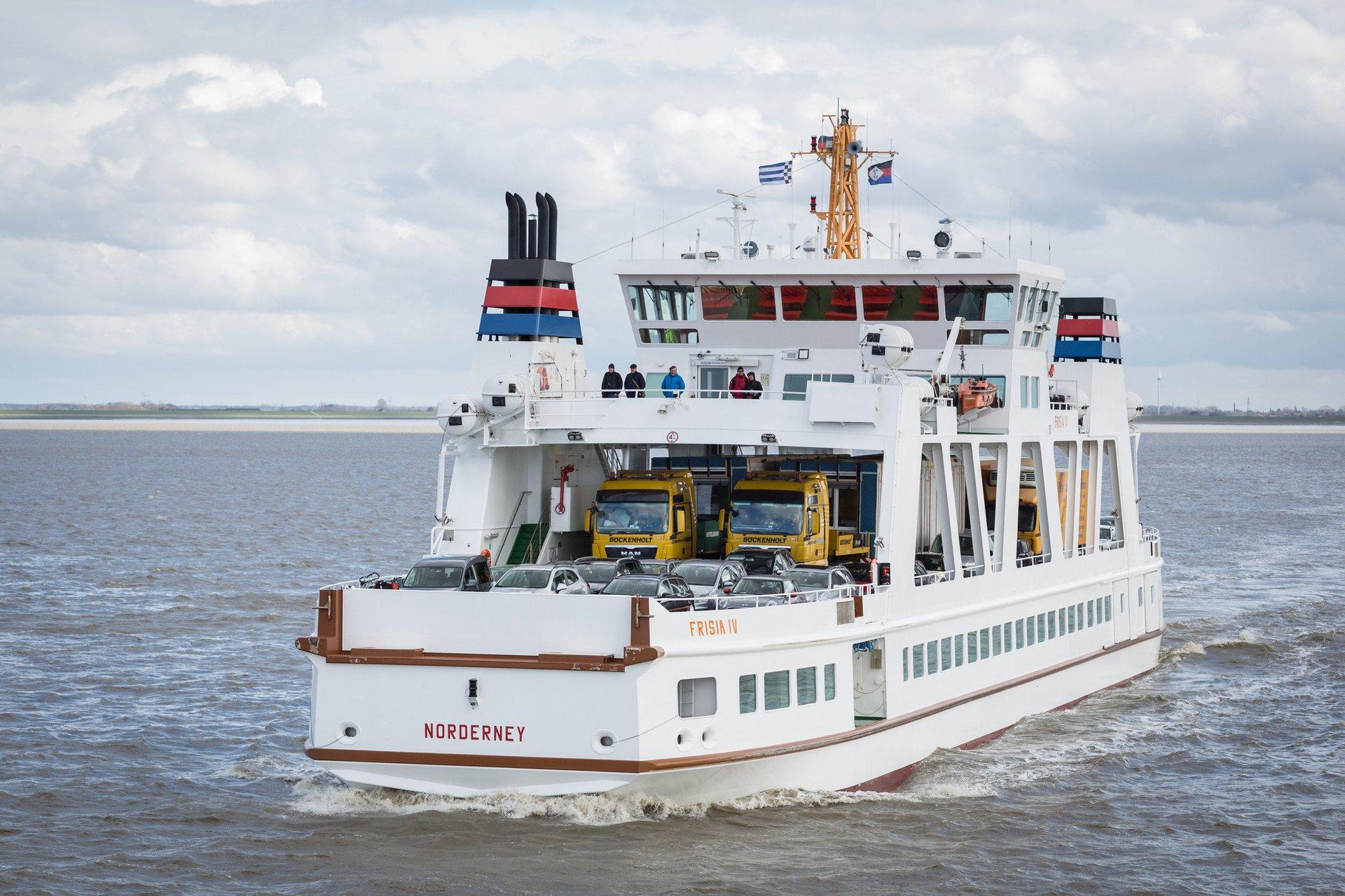 Transport d'une construction modulaire sur un ferry