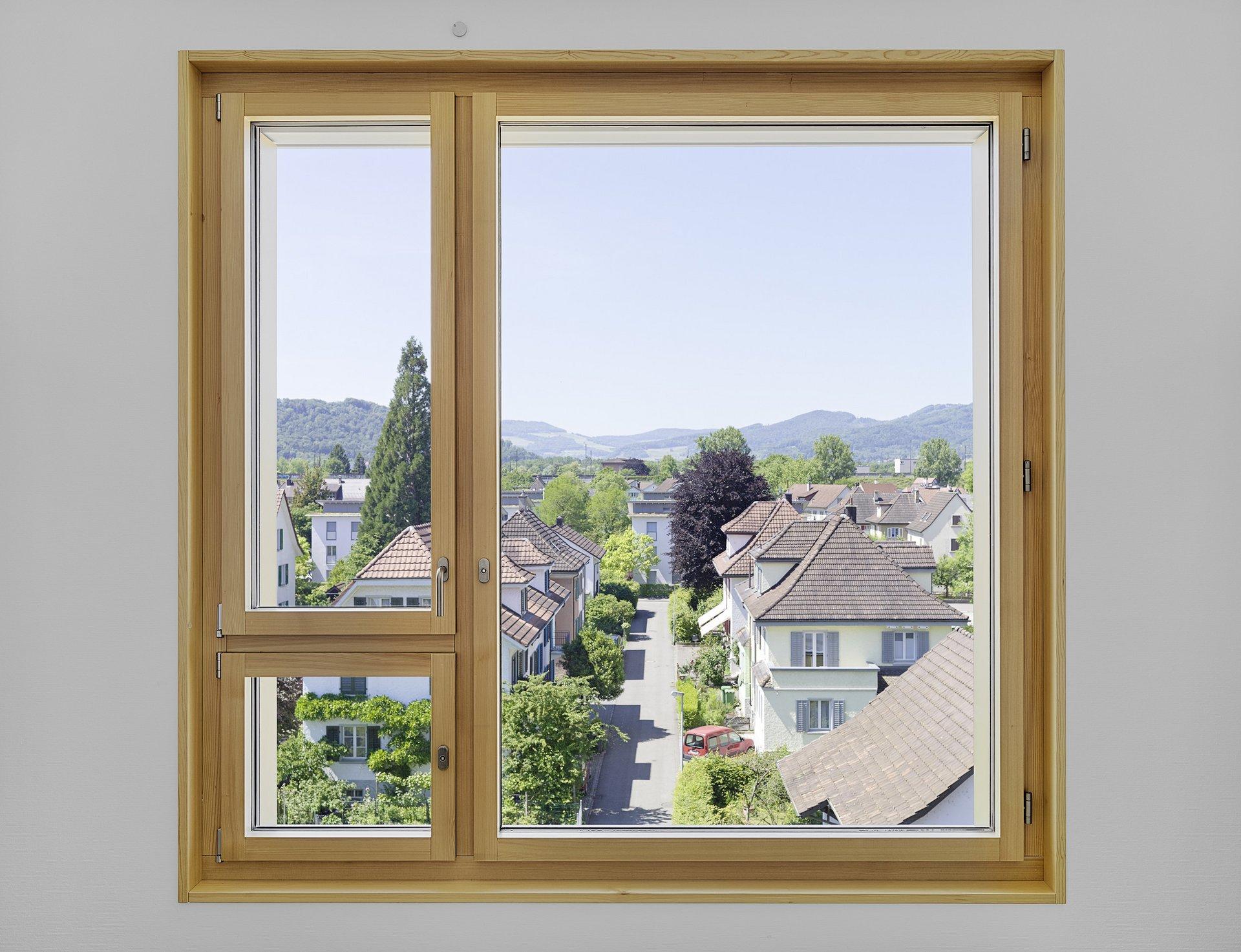 Fensterlement mit feststehenden Teilen aus Holz-Metall von innen