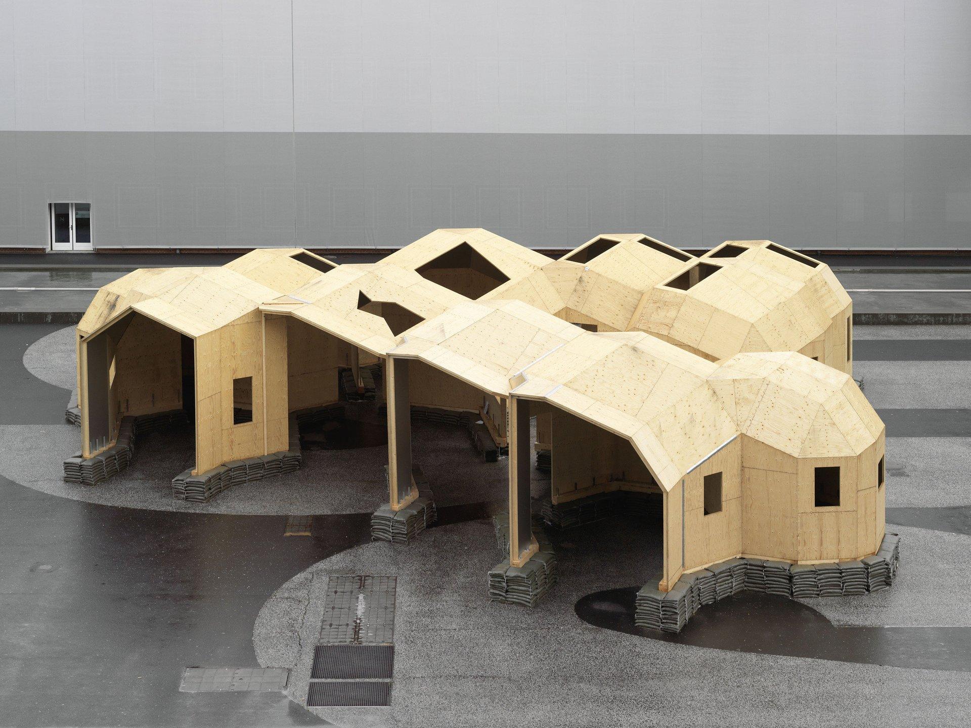 4-teiliges 3-dimensionales Holzkonstrukt von oben