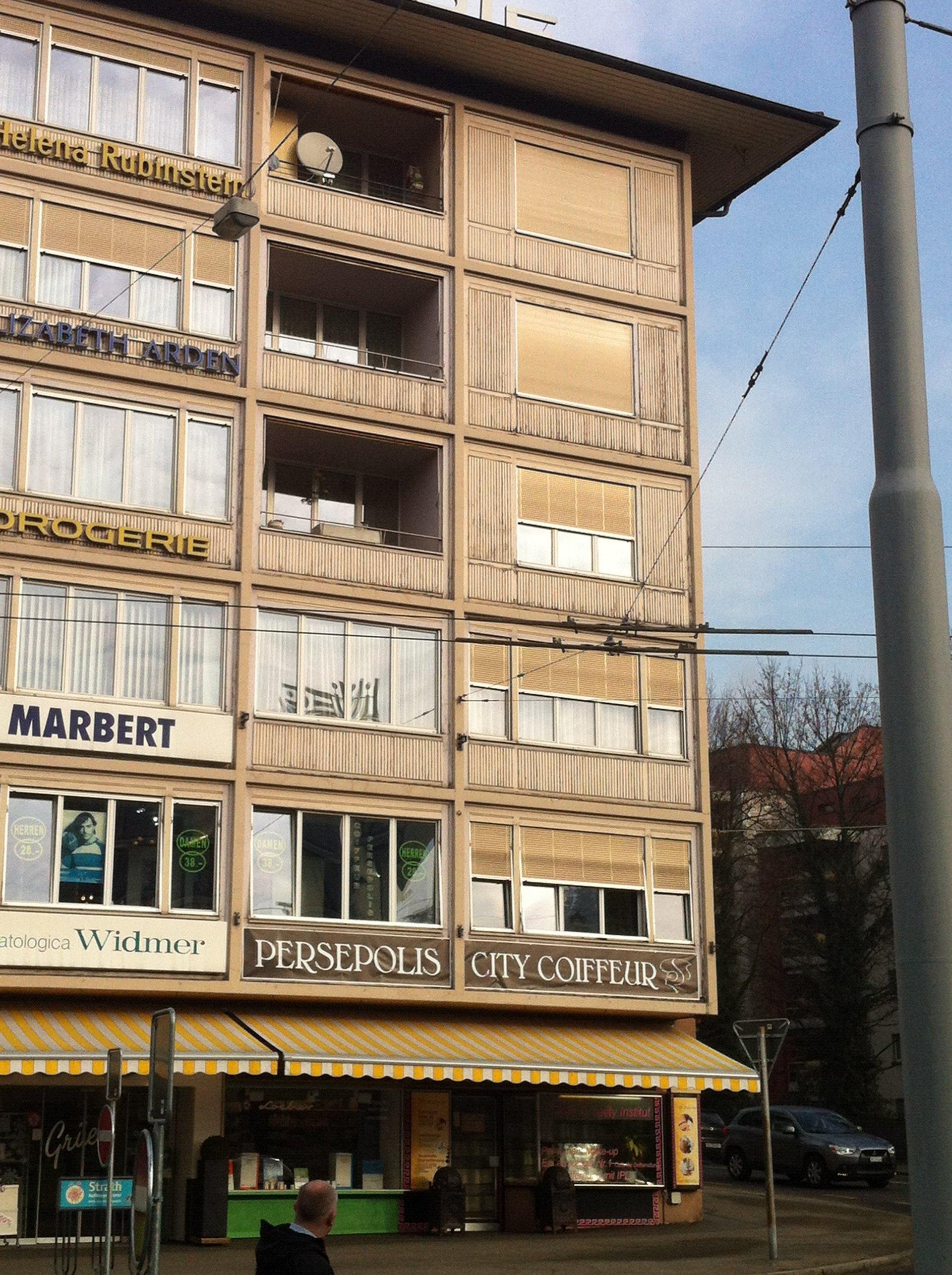 6-geschossiges Gebäude vor Sanierung