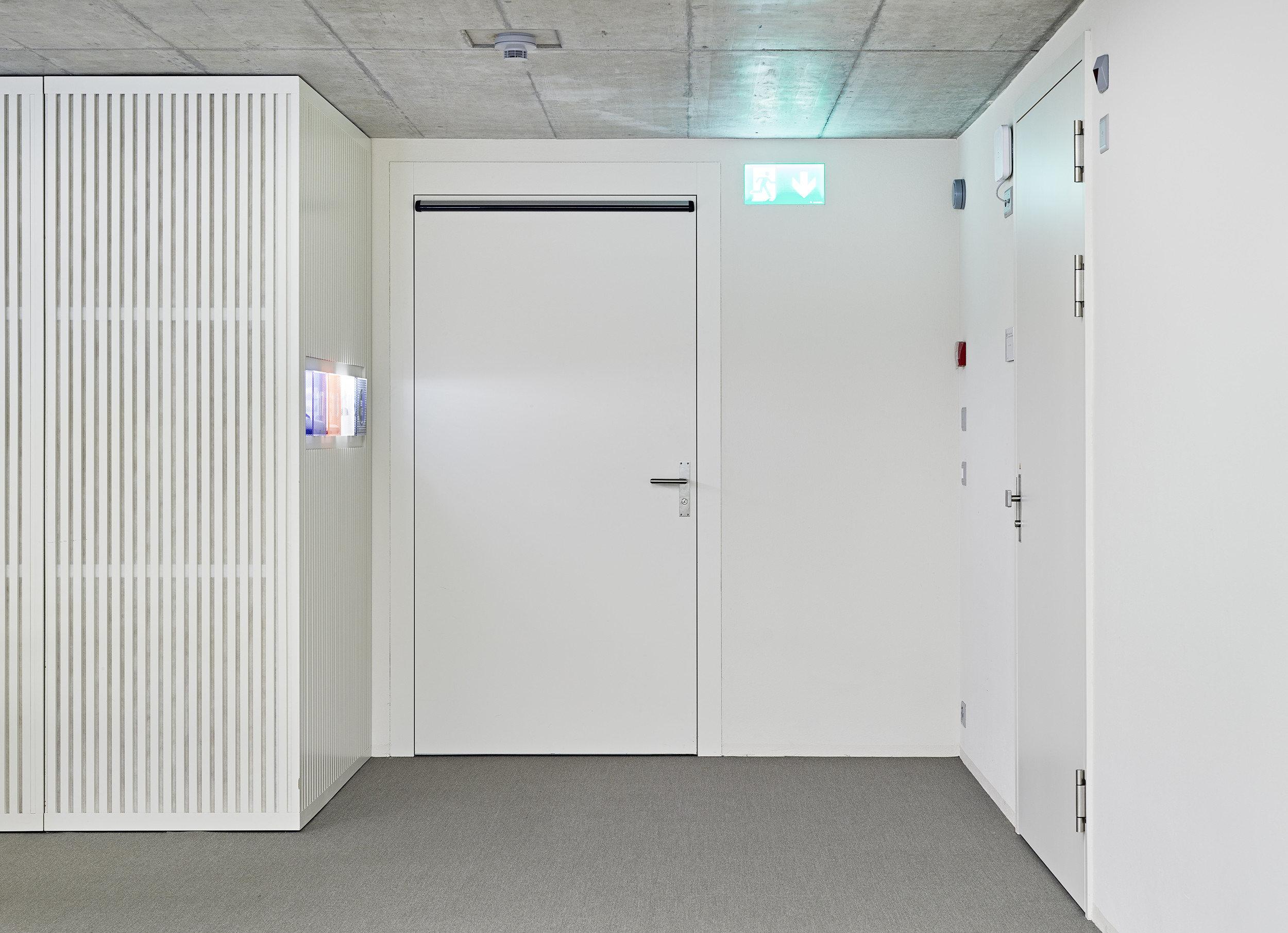 Flurteil mit geschlossener Tür