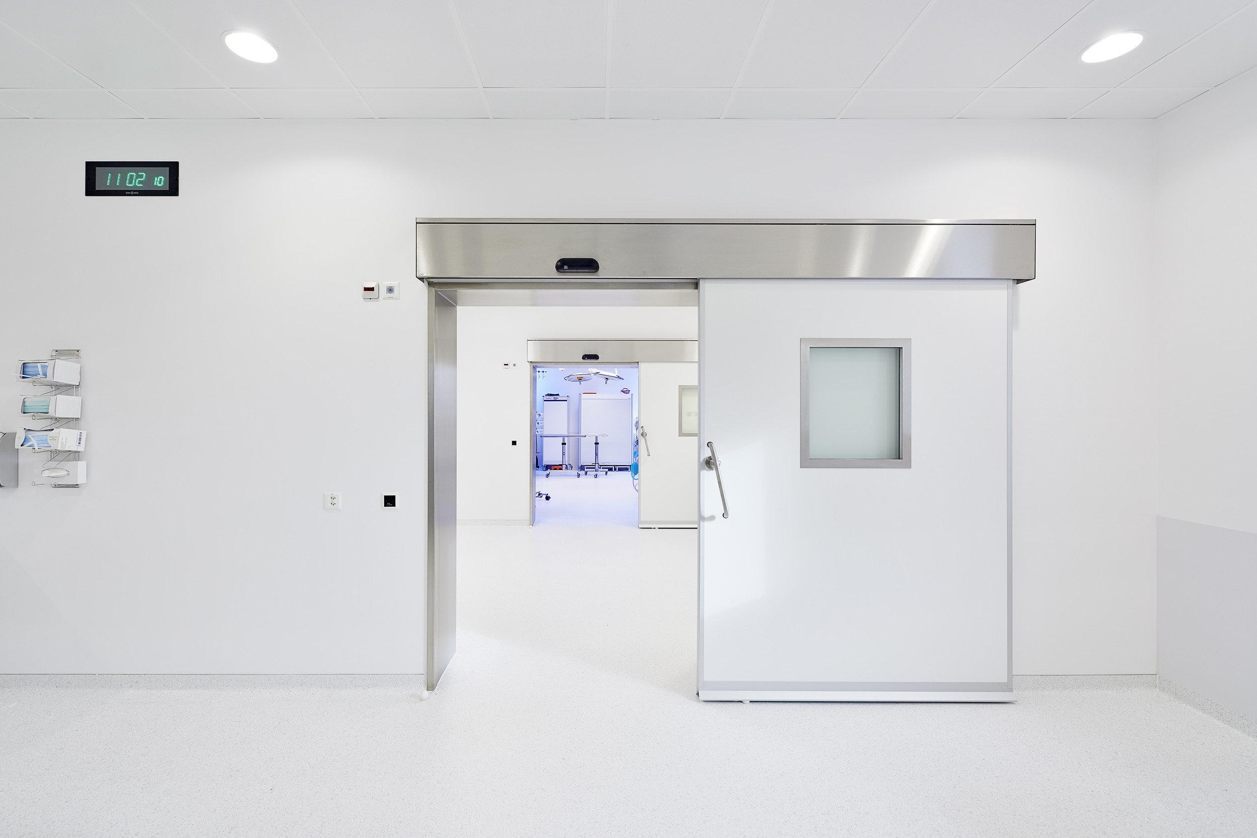 Hebe-Schiebetür zum Operationssaal